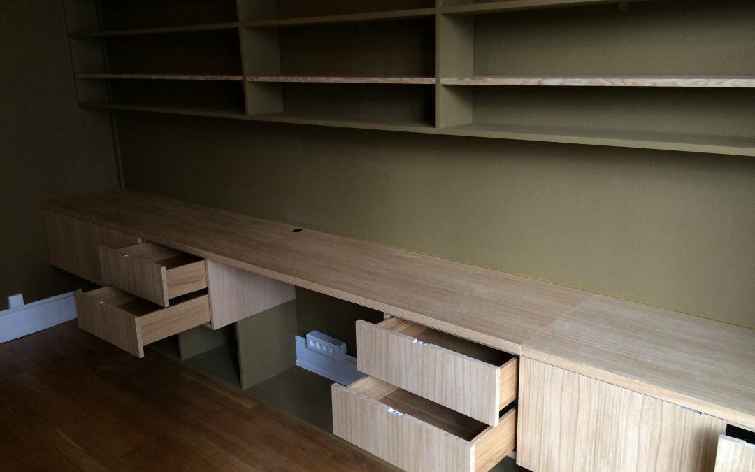 Bureau et bibliothèque